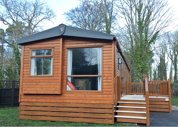 NEW VICTORY BELMORE Wood clad Lodge 36 X 12